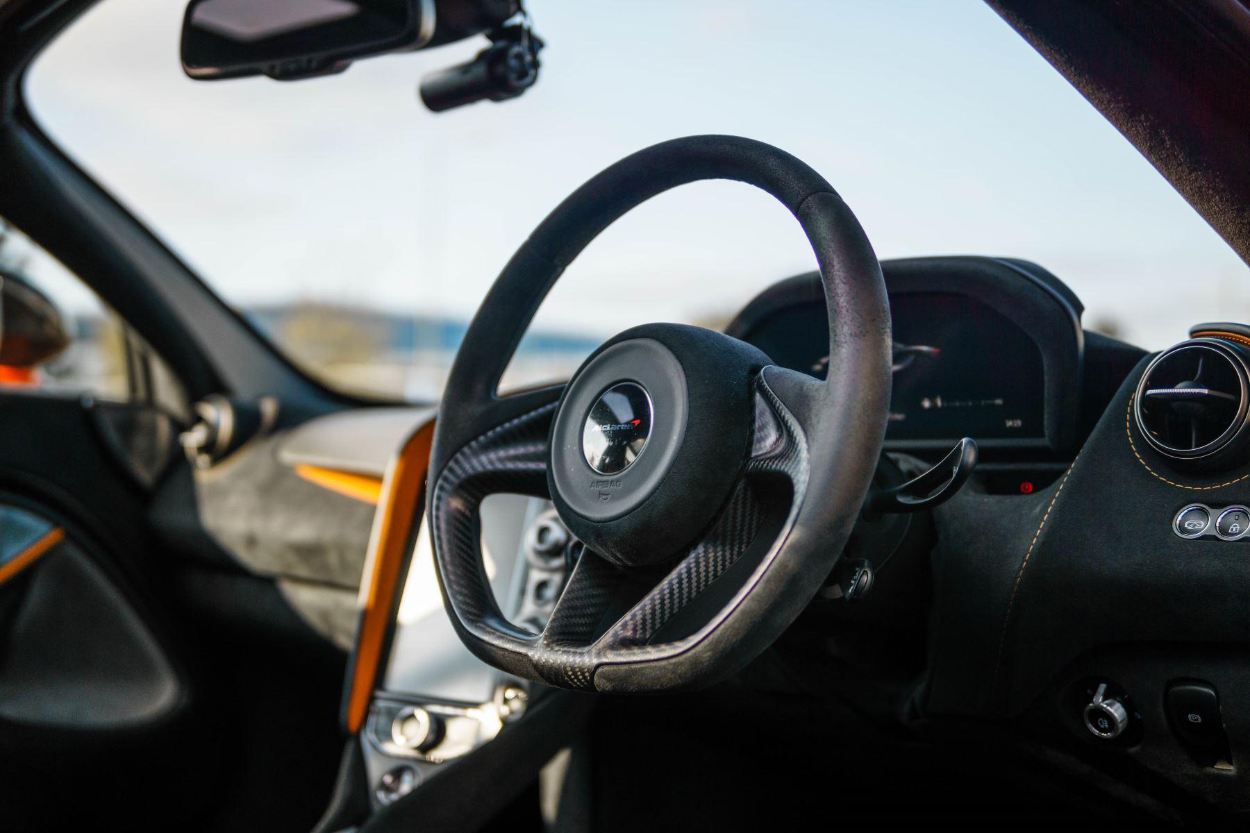 McLaren 720S V8 2dr SSG PERFORMANCE image 30